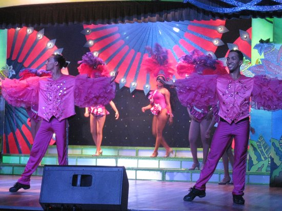 Iberostar Bavaro Suites: jolis costumes...