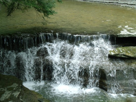 Stony Brook State Park: little waterfall