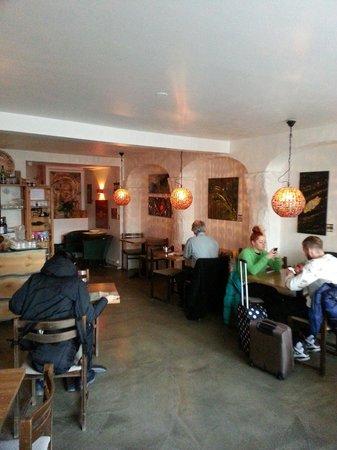 Old Iceland Restaurant : Morning Crowd @ Gamla