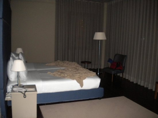 Hotel da Oliveira: The room, viewed from the entrance