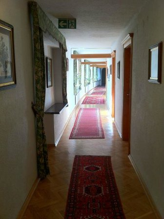 Klammer's Kaernten: 3rd Floor Hallway