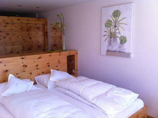 Klammer's Kaernten: Bed in Zirbe Room