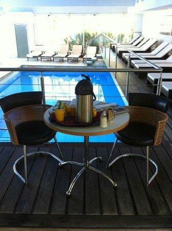 Klammer's Kaernten: Coffee by the pool in the mornings