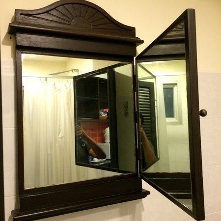 The Royal Nakara: the mirror in the bathroom