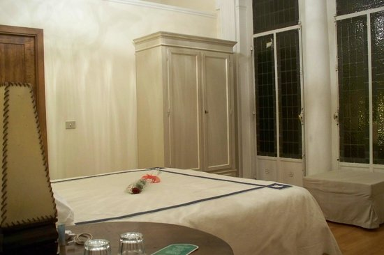 Soggiorno Rondinelli : La stanza con...rosa di San Valentino...arrivata da sola!