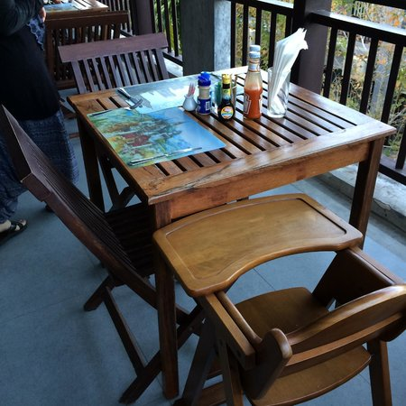 The Royal Nakara: sturdy toddler chair
