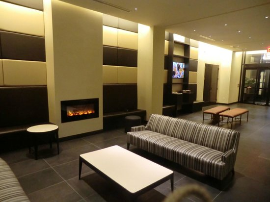 La Quinta Inn & Suites Manhattan : Lobby