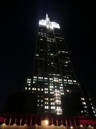 La Quinta Inn & Suites Manhattan: Vista del Empire State Building desde nuestra habitación