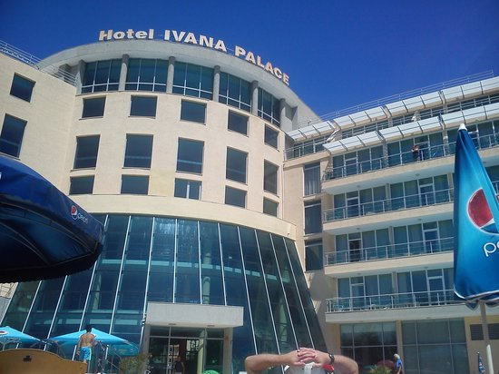 Ivana Palace Hotel: Hotel view from pool