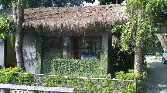 Nameri Eco Camp: Restaurant in the camp