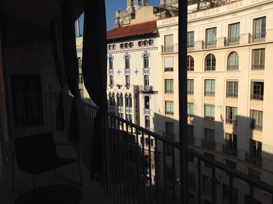 Mercer Hotel Barcelona: View from balcony of 308