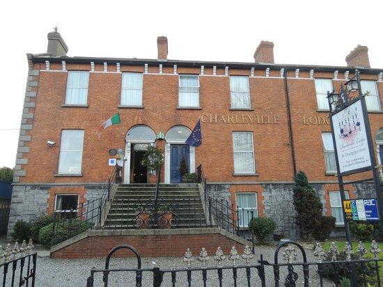 Charleville Lodge : Вход в отель
