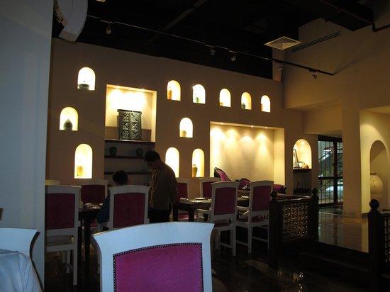 Ubhar Bistro: interior 2