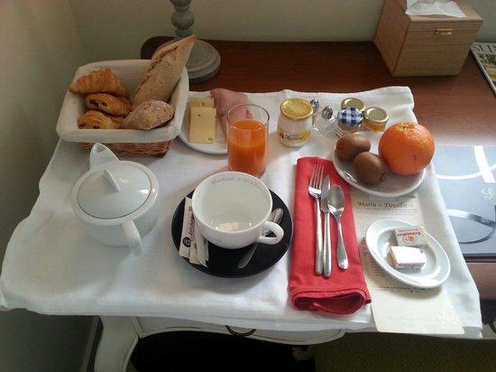 Hôtel Le Moulin De Madame : Breakfast- 12 euros