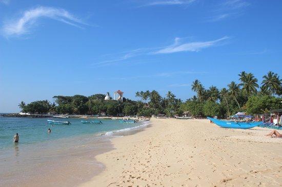 Kingfisher Hotel : quiet end of Unawatuna beach