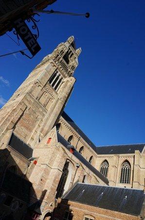 Hotel Salvators: L'hotel est sur la place de la cathédrale
