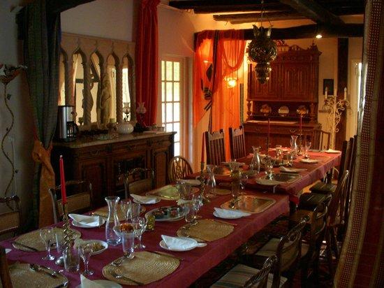 La Bonne Auberge : Grand dining room