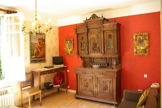 La Bonne Auberge : Suite lounge area