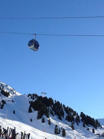 Hotel Bergwelt: Last gondola of the day in the sunshine