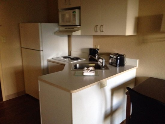 Extended Stay America - Orlando - Maitland - 1776 Pembrook Drive: Nice kitchenette