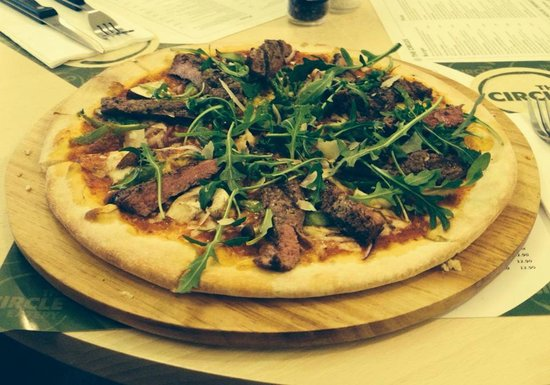 The Circle Eatery : Fancy Pants Pizza