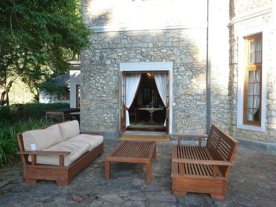 Jetwing Warwick Gardens: Door to the dining room