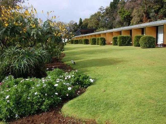 Quinta da Casa Branca: looking across to the garden rooms