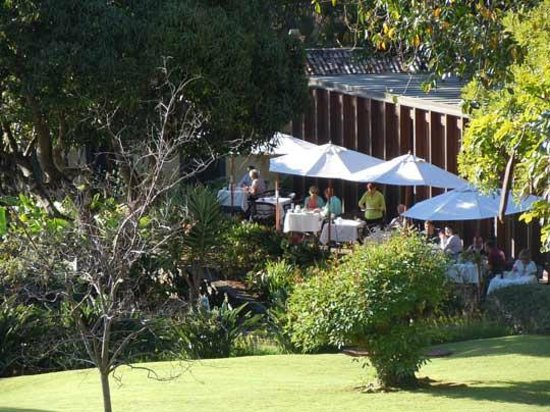 Quinta da Casa Branca: looking towards the restaurant