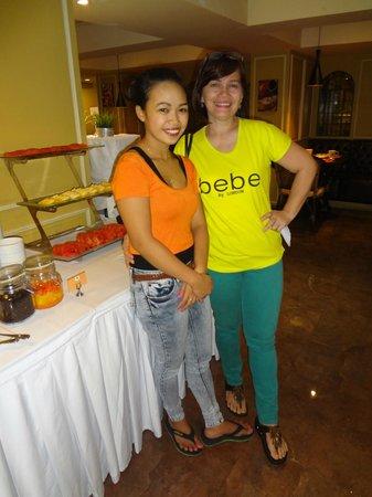 Salil Hotel Sukhumvit Soi 11: With Shiela , the Filipina head server