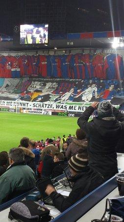 Stadion St Jakobpark: La Muttenzkurve