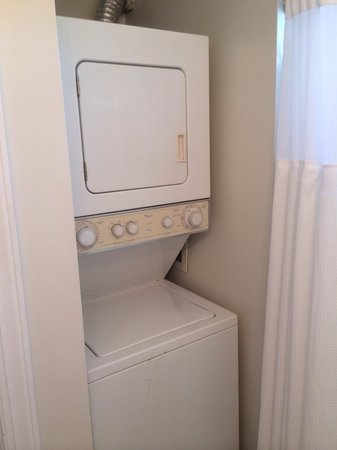 The Wilmingtonian: Oklahoma Suite washer/dryer