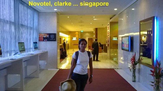 Novotel Singapore Clarke Quay: Novotel lobby