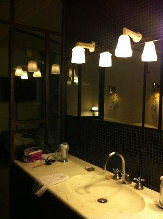 Hotel Particulier Montmartre : Lights!