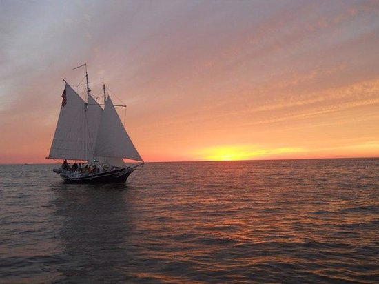 Grand Haven Lighthouse and Pier : Pirate week!