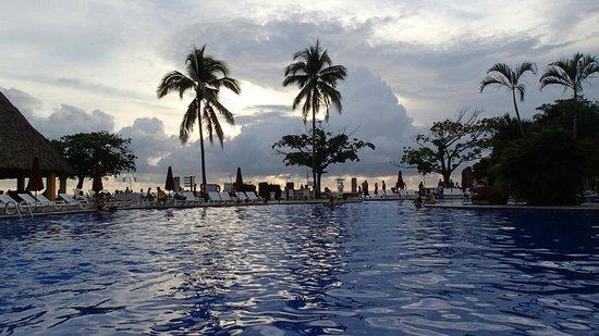Royal Decameron Salinitas: Pool