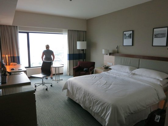 Four Points by Sheraton Sandakan : our room