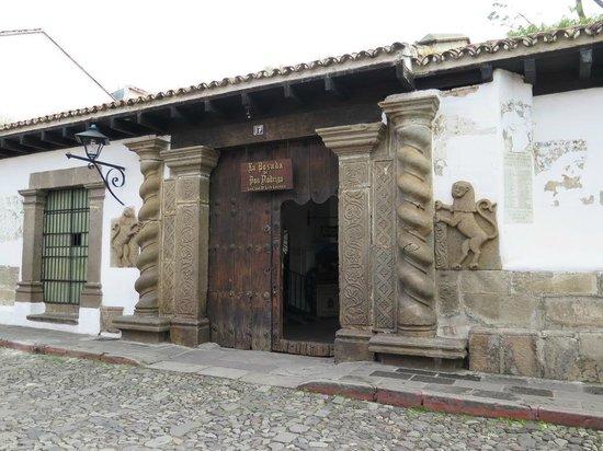Hotel Posada de Don Rodrigo: View of front of hotel