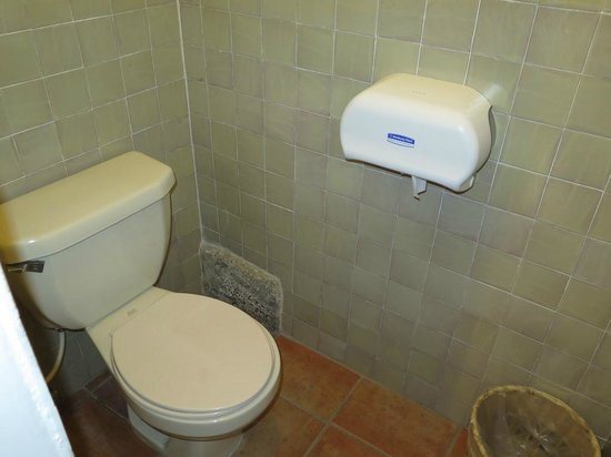 Hotel Posada de Don Rodrigo: View of hotel bathroom