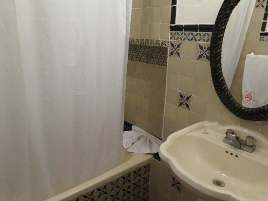 Hotel Posada de Don Rodrigo: Bathroom