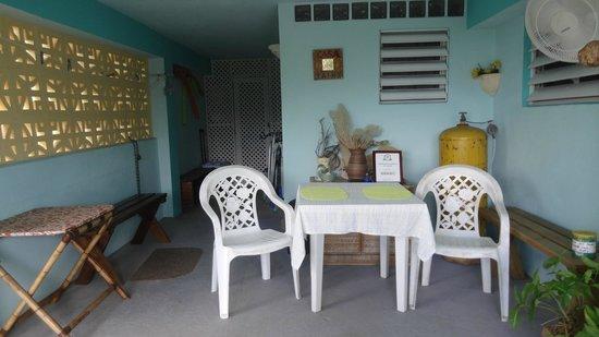 Casa de Kathy: Ouside space in 2 bedroom unit