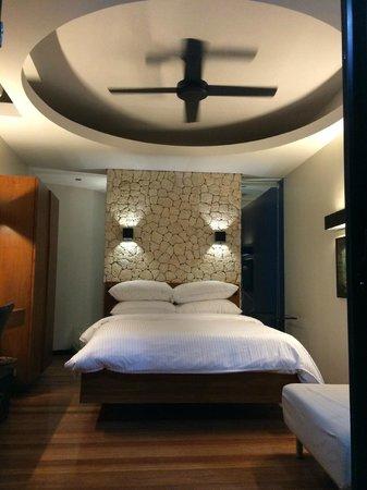 WaterColors Boracay Dive Resort: Beachfront Ground Floor Room