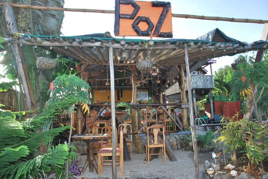 POZ Restaurant & Bar at Calibishie Gardens : A must visit!