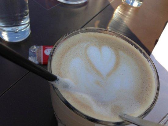 Aiola Upstairs: Der Kaffee ist ausgezeichnet