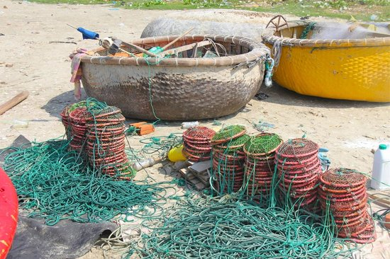 Mui Ne Harbor : Nets for crab.