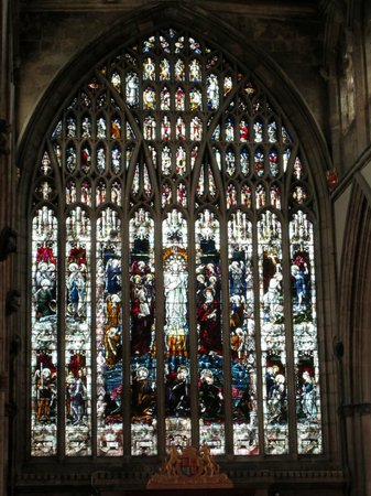 Holy Trinity Church: Beautiful stained glass