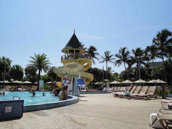 Disney's Vero Beach Resort : Pool slide