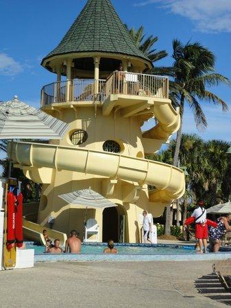 Disney's Vero Beach Resort: Pool slide