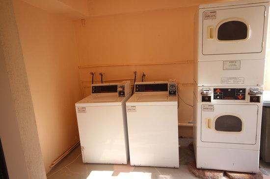 Belleair Beach Resort: Guest laundry