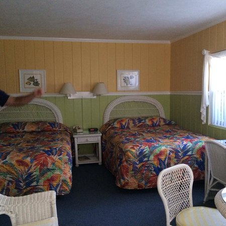 The Islander Inn: Our room