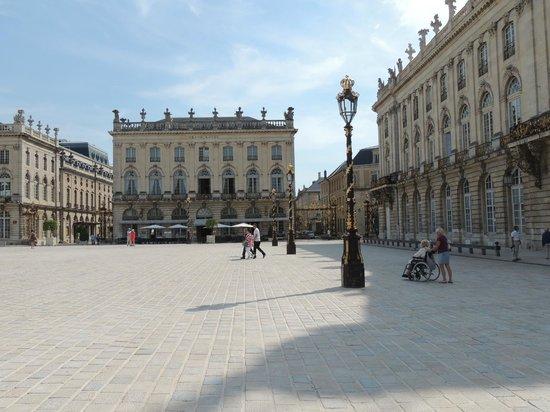 Place Stanislas : Архитектура сбалансирована
